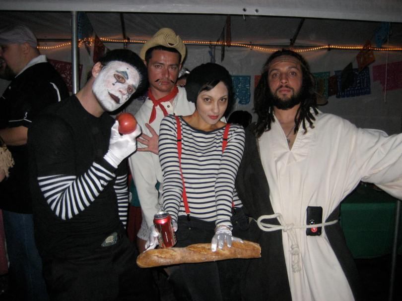 The dead mimes, Jesus and the Cowboy photo crasher